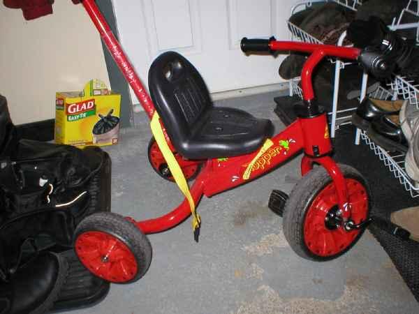 tricycle pour enfant marchandise livres jeux jouets. Black Bedroom Furniture Sets. Home Design Ideas