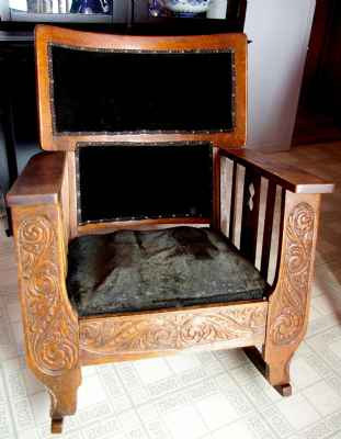 Chaise ber ante antique style mission marchandise for Chaise bercante antique